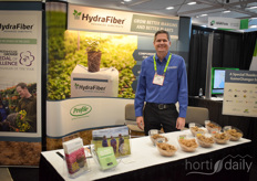 Adam Newby with Profile Products, shows the HydraFiber substrates helping growers to optimise production