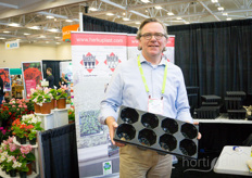 On top of it is Alfred Boot with Herkuplast. The company is being represented by Globalhort in Beamsville, Ontario.