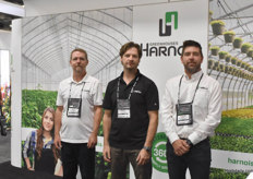With Harnois we have Alain Gendron, Yanick Harnois & Francis Paquin.